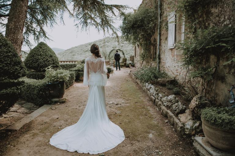 Dos nu de la mariée